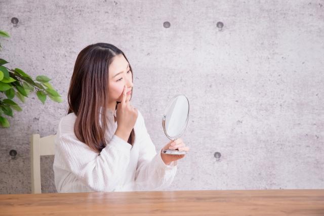 【40代】毛穴トラブルの原因とは?毛穴の黒ずみ・開きに有効な美容法