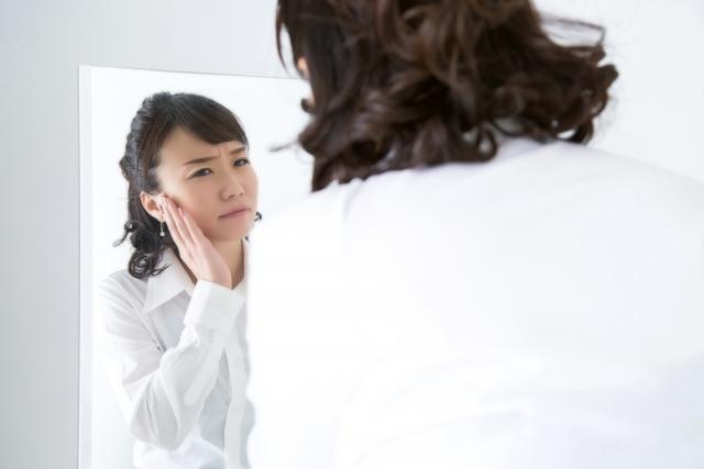 大人ニキビはストレスやホルモンバランスに影響される?